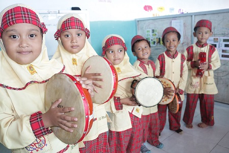 indonesian child culture photo traditional
