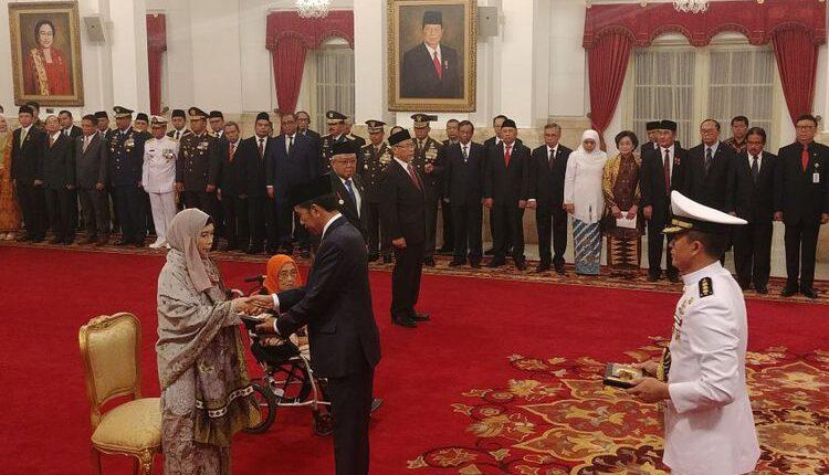 Profil dan Biografi Singkat Sultan Mahmud Riayat Syah Asal Riau