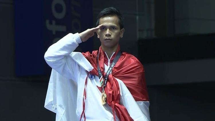 Iwan Bidu Sirait meraih emas di cabor karate SEA Games 2017