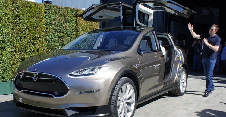 Biografi Penemu Mobil Listrik Modern Tesla Elon Musk