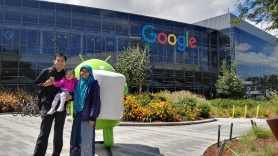 Andreas Sanjaya Bersama Istri di Kantor Google