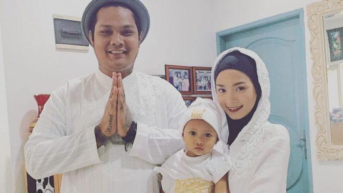 Foto Virgoun bersama istri dan starla